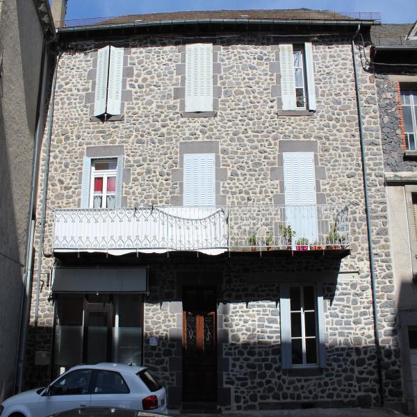Offres de vente Immeuble Mauriac 15200