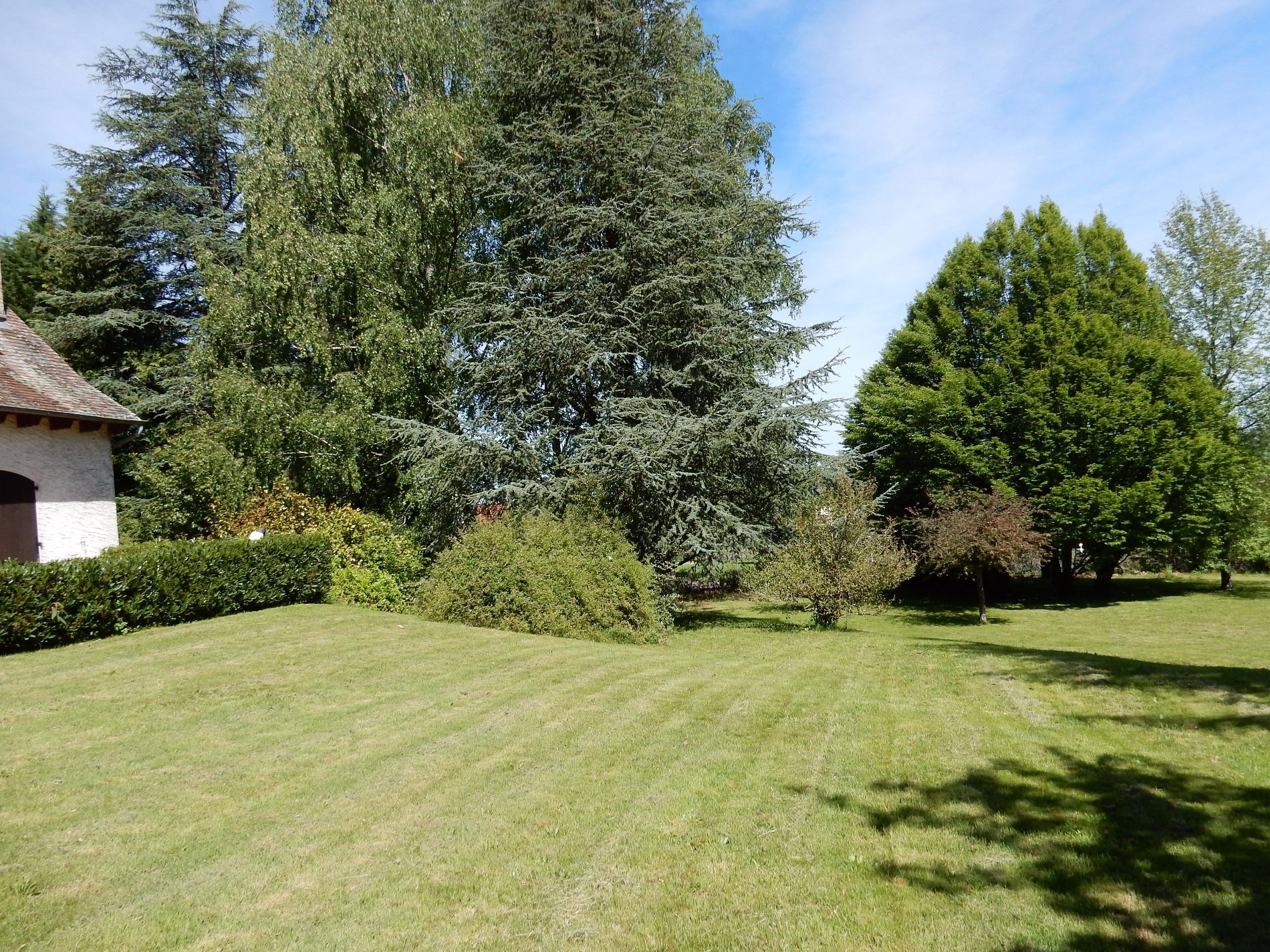 Vente maison d 39 architecte avec parc et piscine 5 minutes for Aurillac piscine