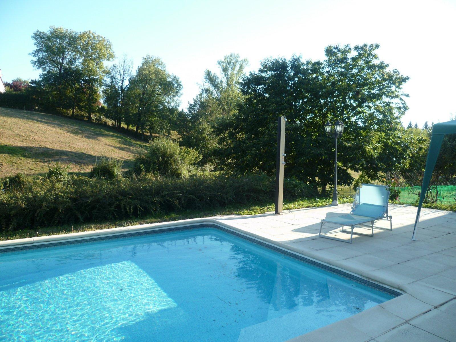 Vente aux portes d 39 aurillac belle maison avec piscine for Aurillac piscine