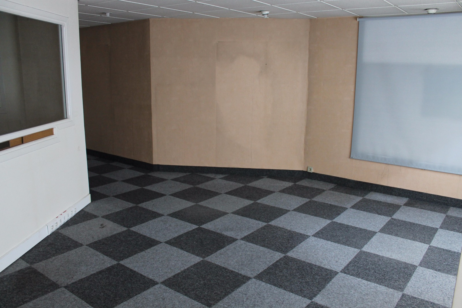 Location immobilier professionnel local commercial avenue for Ca location immobilier